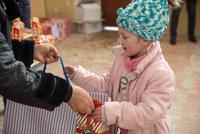 """Կոնվերս Բանկը՝ հաճախորդների հետ, """"Ձմեռ Պապ"""" դարձավ հեռավոր գյուղերի երեխաների համար"""